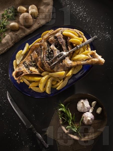 Агнешко с картофи - снимка на рецептата